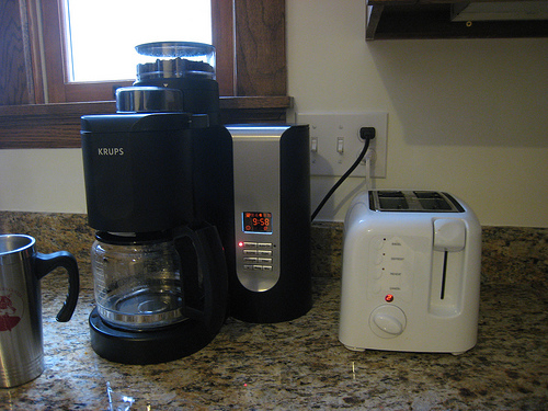 how to choose the best grind and brew coffee maker